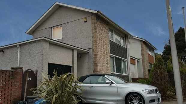 3 Bedrooms Detached House for sale in Blaen Nant, Llanelli, Dyfed, SA14 8HB