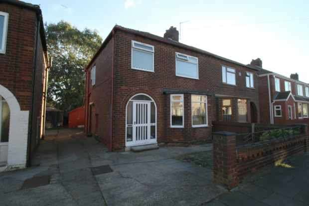 3 Bedrooms Semi Detached House for sale in Cranford Avenue, Middlesbrough, Cleveland, TS6 0AU