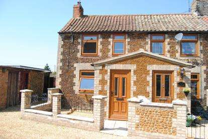 2 Bedrooms Semi Detached House for sale in Grimston, King's Lynn, Norfolk
