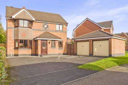 4 Bedrooms Detached House for sale in Stokes Hall Avenue, Leyland, Lancashire, PR25