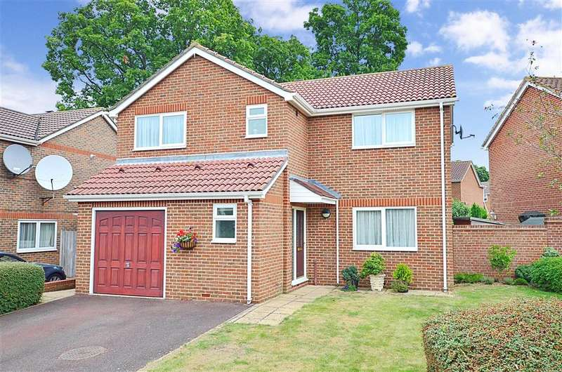 4 Bedrooms Detached House for sale in Lambsfrith Grove, Hempstead, Gillingham, Kent