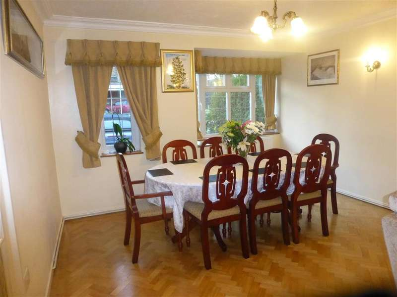 4 Bedrooms Semi Detached House for sale in Linden Crescent, Woodford Green, Essex