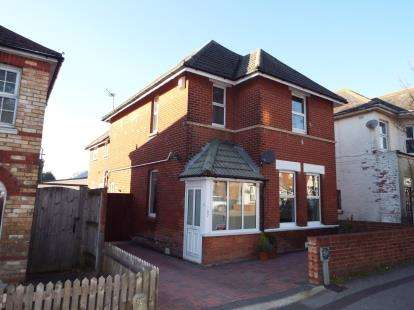 3 Bedrooms Detached House for sale in KINGS PARK, Bournemouth, Dorset