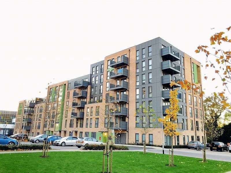 2 Bedrooms Flat for sale in TWO Bedroom For SALE, Theodor Court, Colindale, London