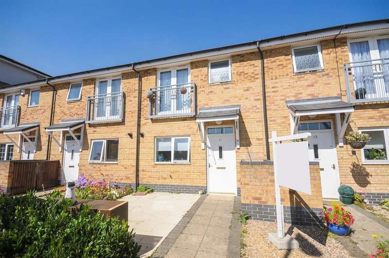 3 Bedrooms Terraced House for sale in Taywood Road, Northolt, UB5