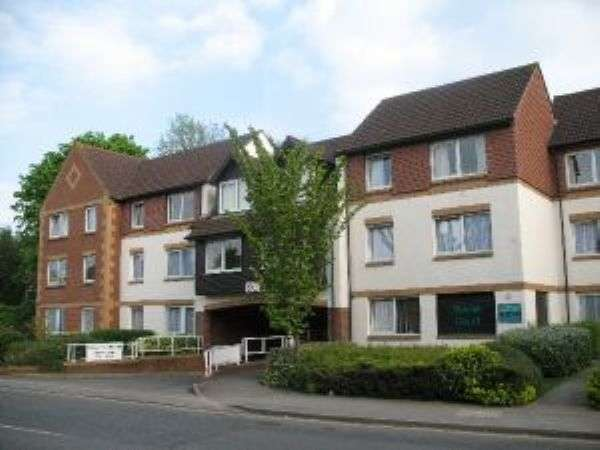 1 Bedroom Flat for sale in Linkfield Lane, REDHILL, Surrey RH1 1TB