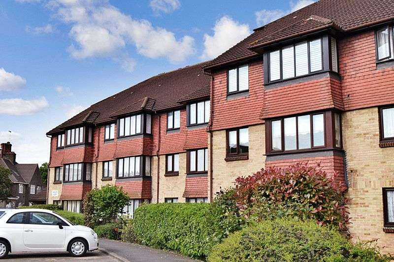 1 Bedroom Retirement Property for sale in Anglia Court, Dagenham, RM8 1SW