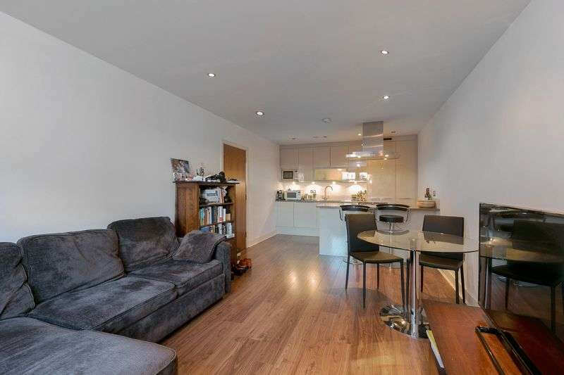 1 Bedroom Flat for sale in Jacobs Court, Plumbers Row, London