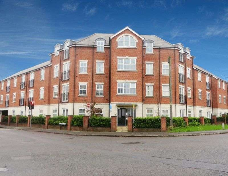2 Bedrooms Flat for sale in Broadwell Road, Oldbury