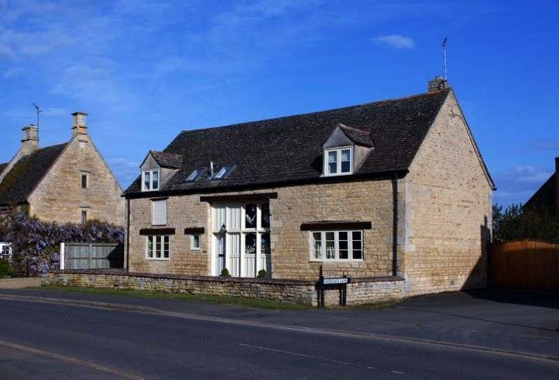 4 Bedrooms Detached House for sale in Woodgate Lane, Maxey, Cambs