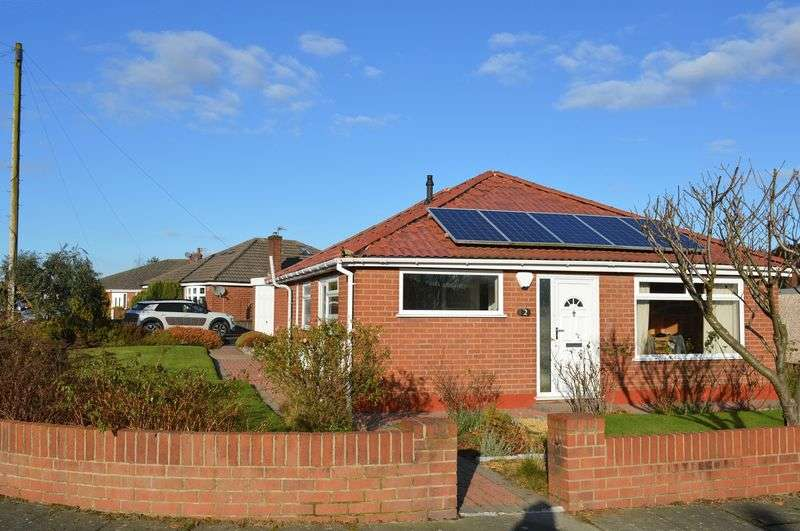 3 Bedrooms Detached Bungalow for sale in Waverley Road, Lowton, WA3 2HE