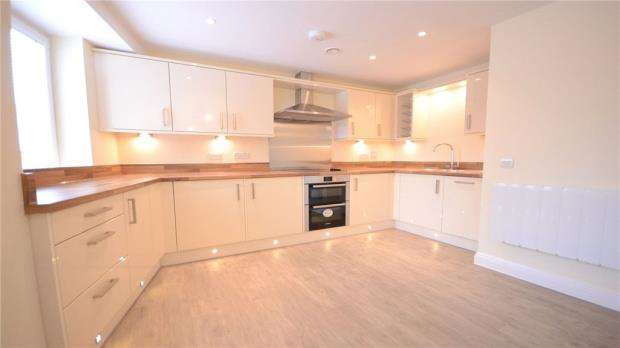 1 Bedroom Apartment Flat for sale in Central Point, Feathers Lane, Basingstoke