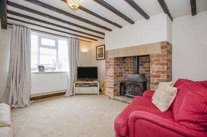 2 Bedrooms Terraced House for sale in Liverpool Road, Hutton, Preston, Lancashire, PR4