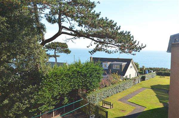 1 Bedroom Retirement Property for sale in Bursledon Court, East Cliff Road, Dawlish