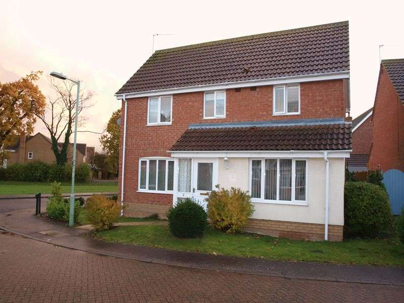 3 Bedrooms Detached House for sale in Parkhill, Lowestoft