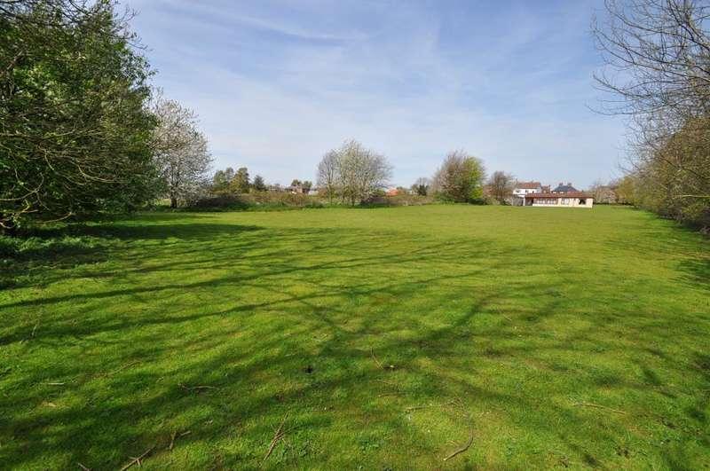 5 Bedrooms Detached Bungalow for sale in Pinders Yard, North Moor Lane, Cottingham, HU16 4JH