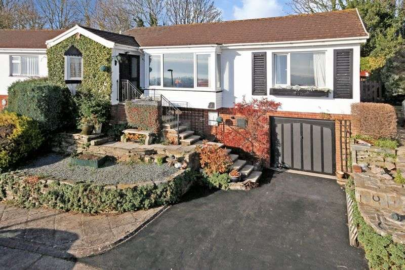 2 Bedrooms Detached Bungalow for sale in Rocombe Close, Torquay