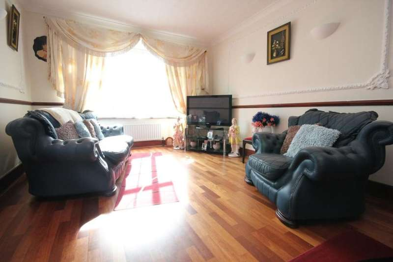5 Bedrooms Semi Detached House for sale in Rochester Way, London, SE9