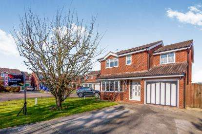 4 Bedrooms Detached House for sale in Leven Avenue, Winsford, Cheshire, England, CW7