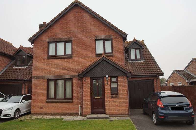 4 Bedrooms Detached House for sale in Southernlea Road, Burnham-On-Sea