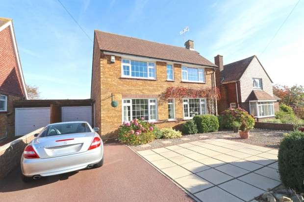 5 Bedrooms Detached House for sale in Willingdon Road, Eastbourne, BN20