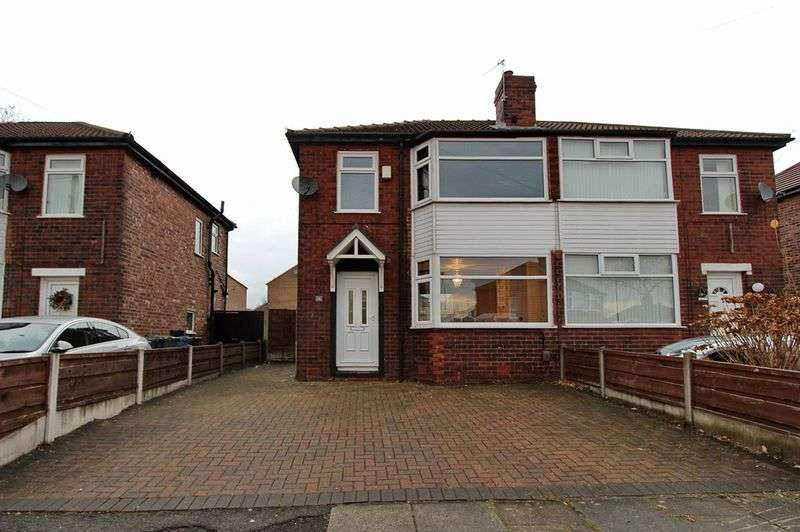 3 Bedrooms Semi Detached House for sale in Oak Avenue, Whitefield, Manchester