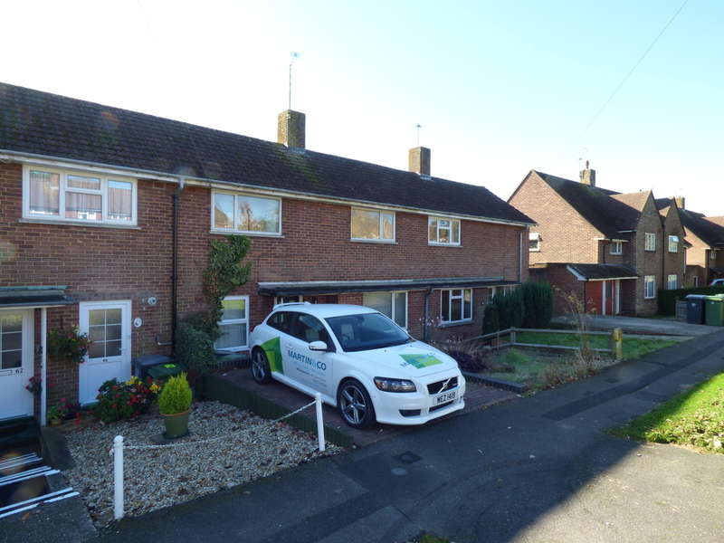 2 Bedrooms Terraced House for sale in Weeke, Winchester