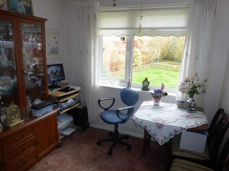 2 Bedrooms Semi Detached Bungalow for sale in Setfords Field, South Chailey, Lewes, East Sussex