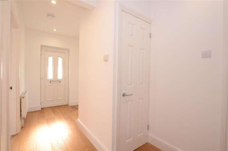 3 Bedrooms Bungalow for sale in Greenbank Avenue, Saltdean, East Sussex
