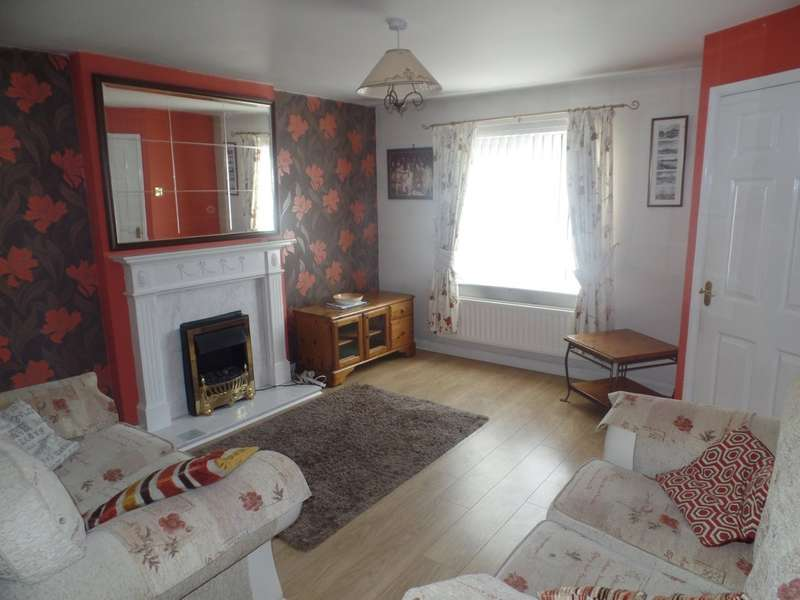 3 Bedrooms Semi Detached House for sale in St. Albans View, Shiremoor