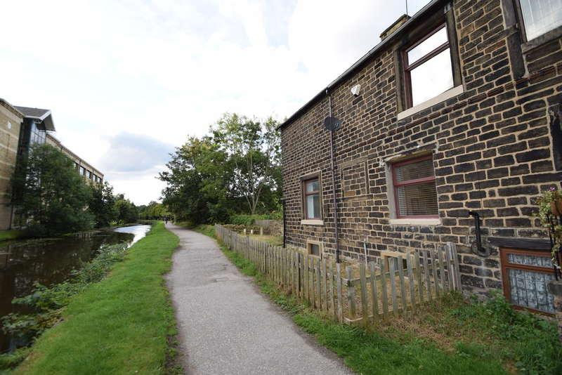 3 Bedrooms Cottage House for sale in Jane Hills, BD17