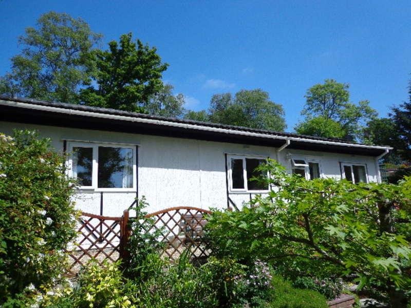 2 Bedrooms Detached House for sale in Brookside , Pathfinder Village