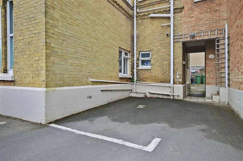 1 Bedroom Apartment Flat for sale in Broadway, Sandown, Isle of Wight