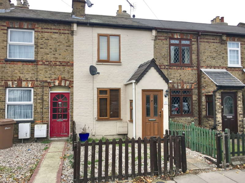 2 Bedrooms Terraced House for sale in Rainsford Road, Nr City Centre, Chelmsford, CM1