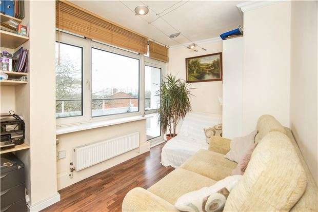2 Bedrooms Flat for sale in Norley Vale, Putney, LONDON, SW15
