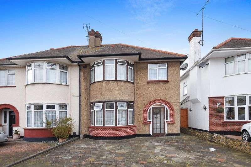 3 Bedrooms Semi Detached House for sale in Rutland Avenue, Southend-On-Sea