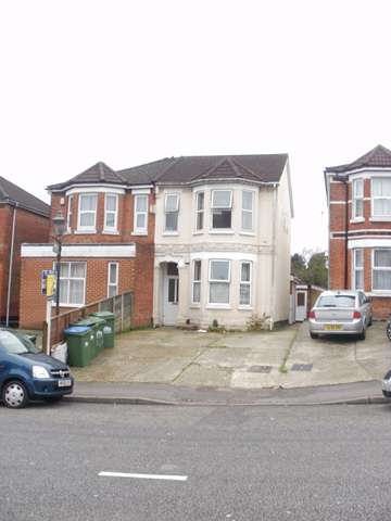 6 Bedrooms Terraced House for rent in Livingstone Road - Portswood - Southampton