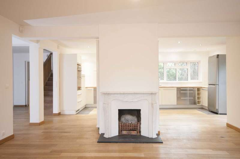 5 Bedrooms House for sale in Harwood Hall Lane, Upminster