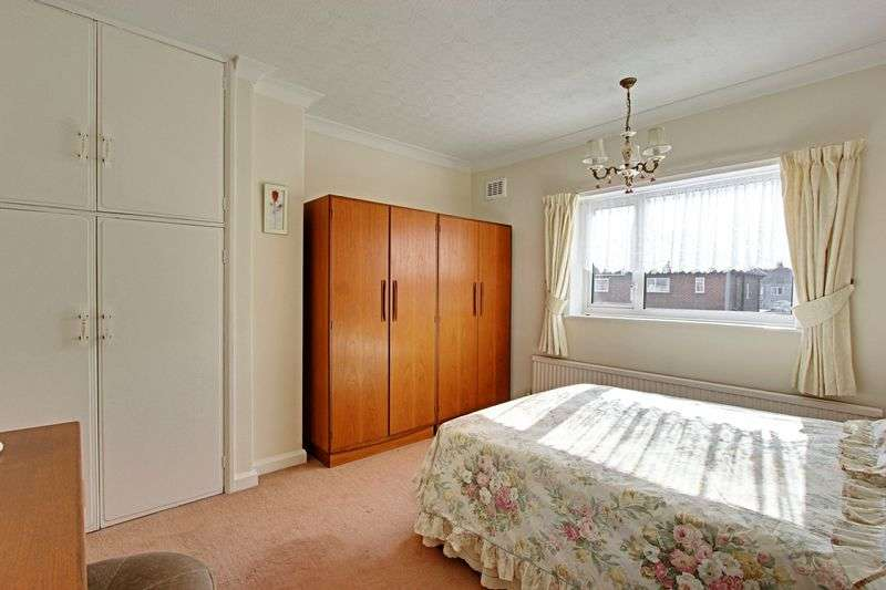 3 Bedrooms Terraced House for sale in Woodcroft Avenue, Hull
