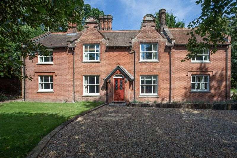 6 Bedrooms Detached House for sale in Wroxham, Norfolk