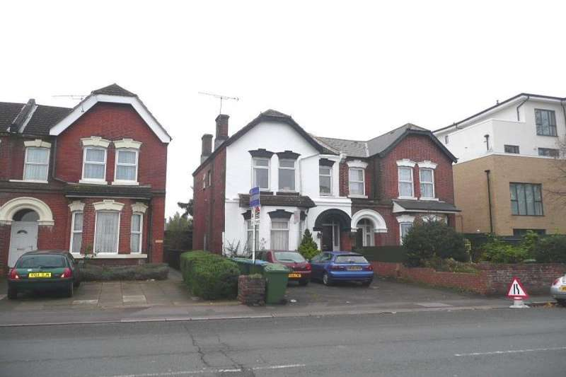 9 Bedrooms Detached House for rent in Portswood Road, Southampton, SO17