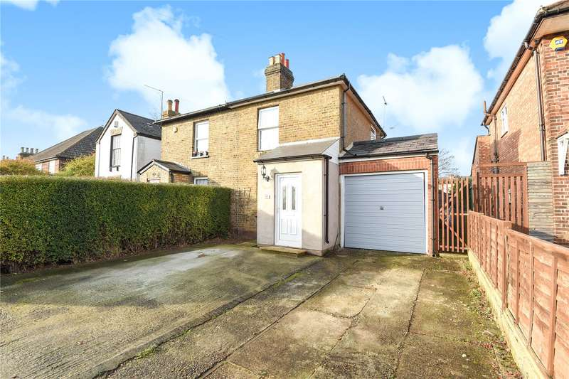 3 Bedrooms Semi Detached House for sale in Heath Road, Uxbridge, Middlesex, UB10