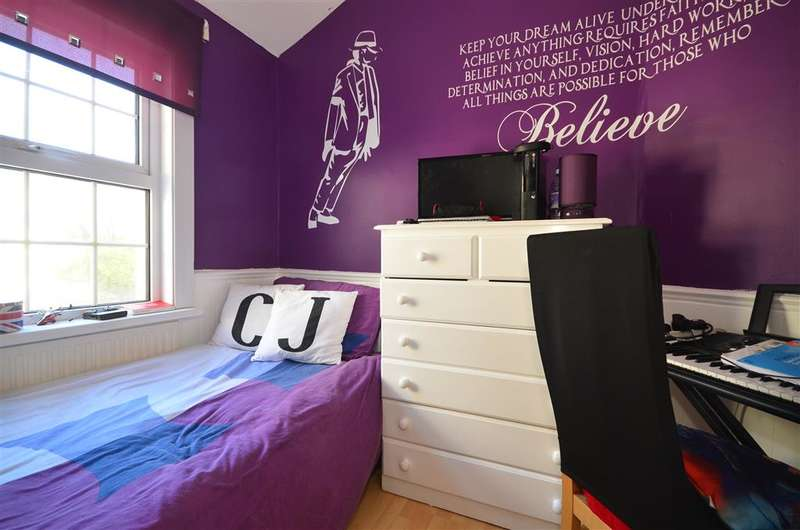 3 Bedrooms End Of Terrace House for sale in Macdonald Road, Walthamstow, London