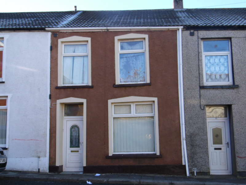 3 Bedrooms Terraced House for sale in Hill Street, Rhymney, Tredegar