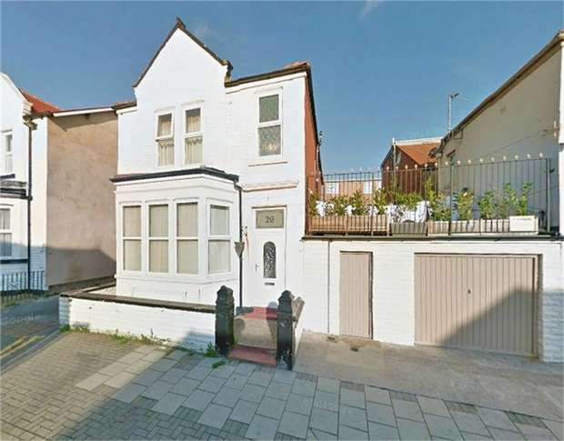 3 Bedrooms Link Detached House for sale in Livingstone Road, Blackpool, Lancashire
