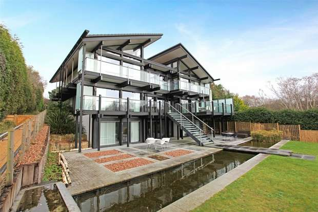 5 Bedrooms Detached House for sale in Mount Grace Drive, Evening Hill, Poole, Dorset