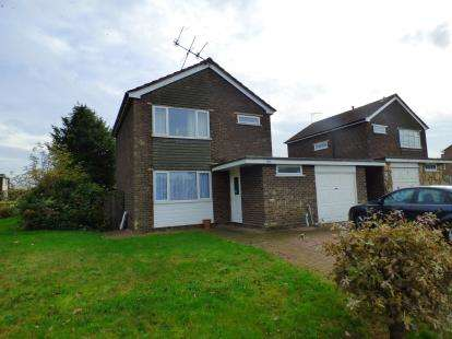 3 Bedrooms Detached House for sale in Harwich, Essex