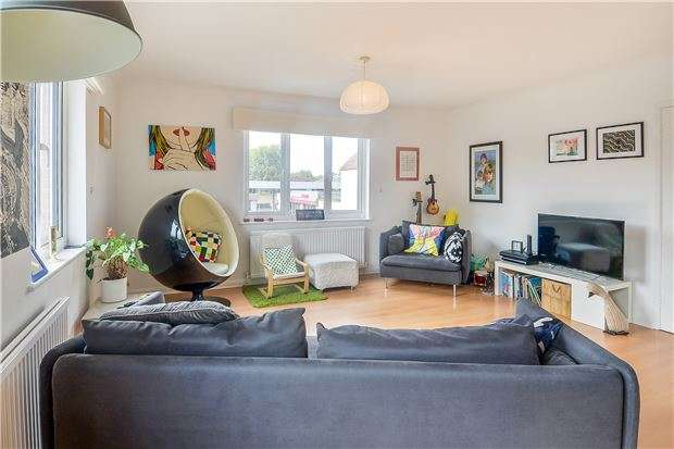 2 Bedrooms Flat for sale in Mayotts Road, ABINGDON, Oxfordshire, OX14 5DJ