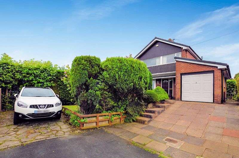 4 Bedrooms Detached House for sale in Pleasington Drive, Bury