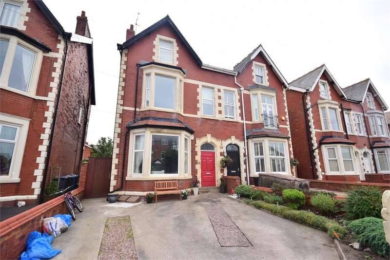 4 Bedrooms Apartment Flat for sale in Lake Road, LYTHAM ST ANNES, FY8